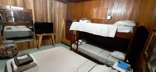 quarto-suite-garage-retro